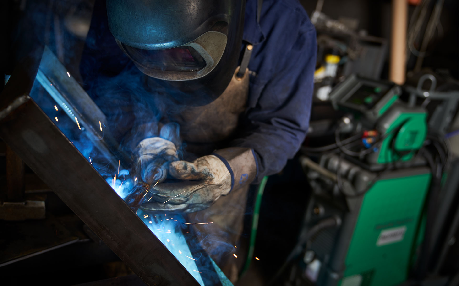 Welder and Sigma Select welding a workpiece